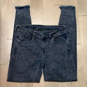 Denim - Zara Basic Denim Camo Distressed Jeans